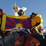 Китай затвори Еверест заради авантаджии и политически въпроси