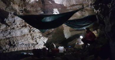 канада най-дълбока пещера