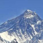 Експедиция измерва Еверест отново