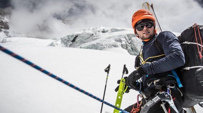 андржей-баргиел-спускане със ски от к2