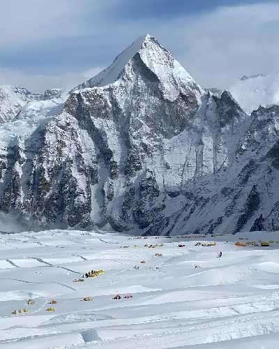 Лагер 2 на Еверест и ледените цепнатини