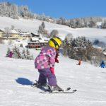 Хеликоптер спасява френски ски курорт от затваряне. Носи сняг от високото