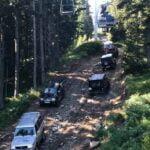 Никой не спазва забраната: джиповете с туристи към Седемте рилски езера не секват