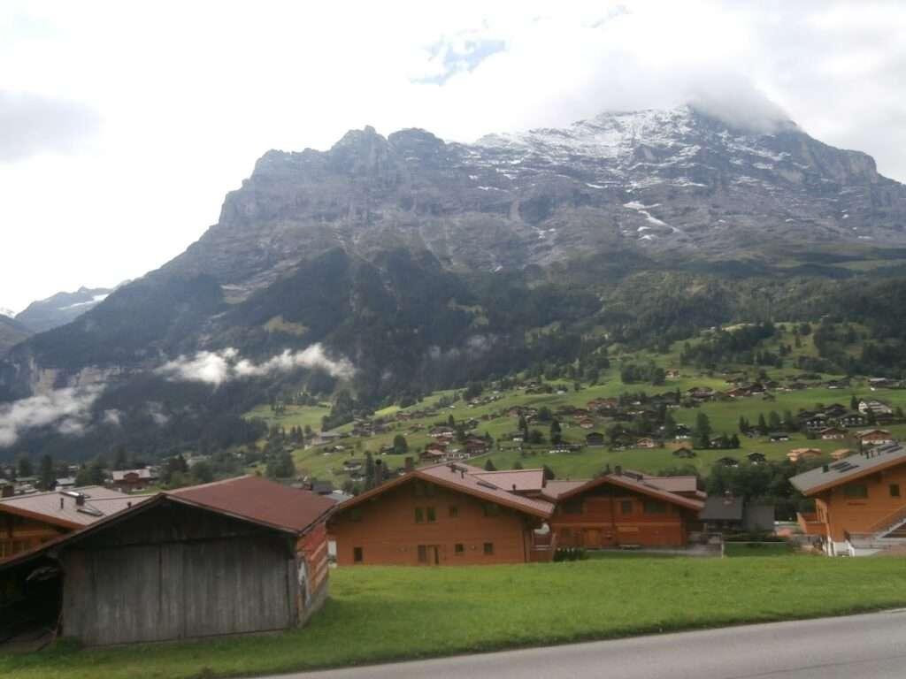 Гриндевалд и връх Айгер