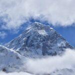 Китай и Непал се готвят да обявят новата височина на Еверест