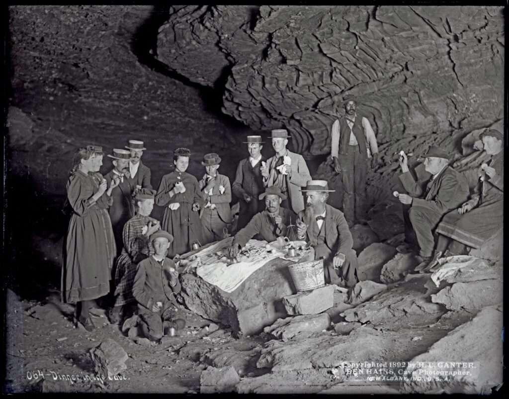 Мамонтова пещера, посетители
