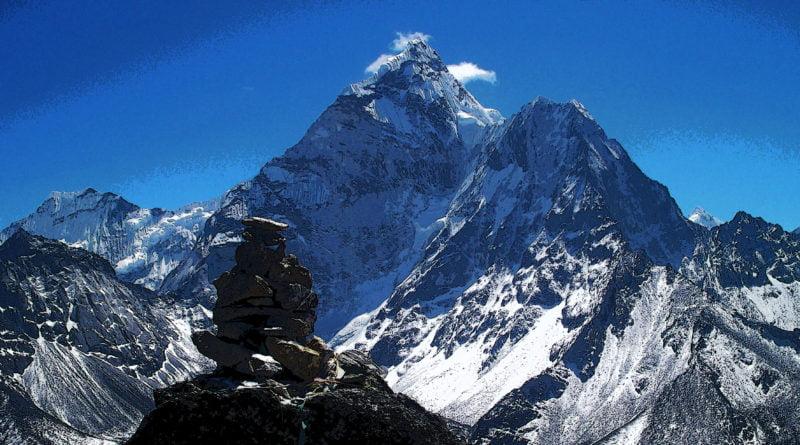 Алпинисти гладуват под Манаслу