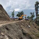 Непал строи асфалтов път до Лукла