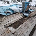 """Хижа """"Синаница"""" обяви дарителска сметка за ремонт на разрушения от ураган покрив"""