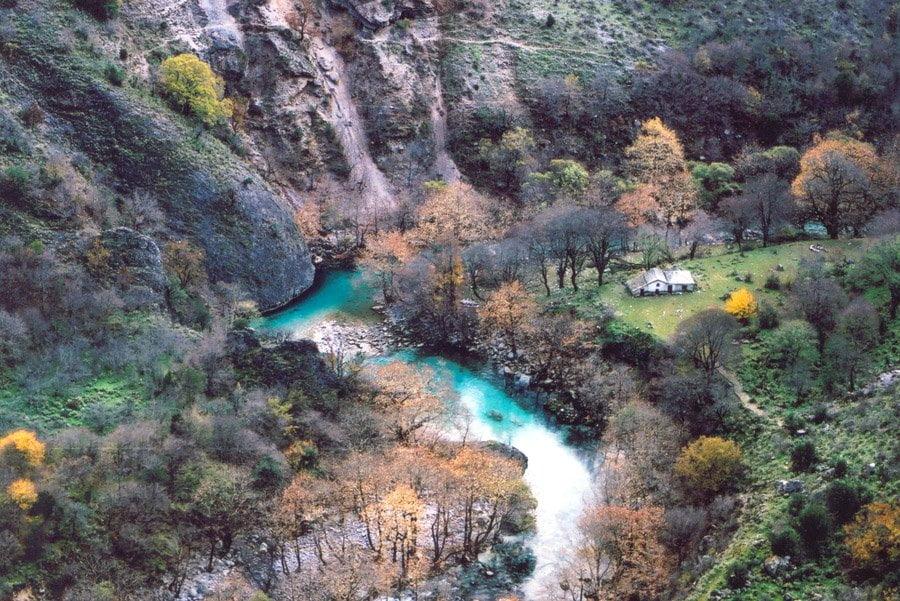 река воидоматис каньон викос